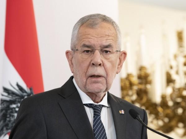 Австрийската полиция хвана в нарушение държавния глава на страната –