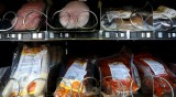 Източноевропейци мизерстват, за да ядат германците евтино месо