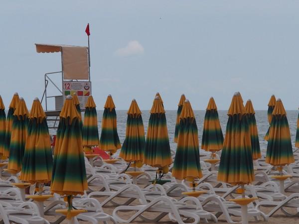 17 плажни ивици по българското Черноморие ще бъдат с безплатни