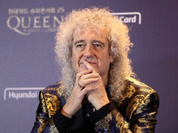 Китаристът Брайън Мей от легендарната група Queen е претърпял инфаркт.