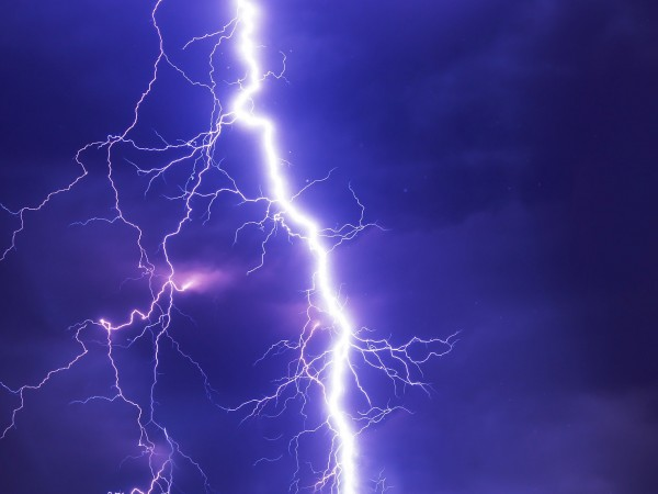 Днес на много места в странатаще има краткотрайни валежи, а