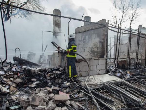 "Лек автомобил ""Ягуар С"" е бил подпален снощи в Бургас."