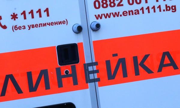 Мъж под карантина катастрофира, четирима са в болница