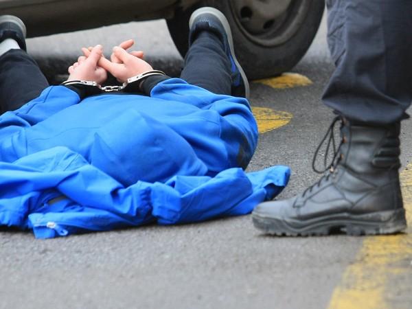 Полицията задържа двама мъже от село Градец, община Котел, които