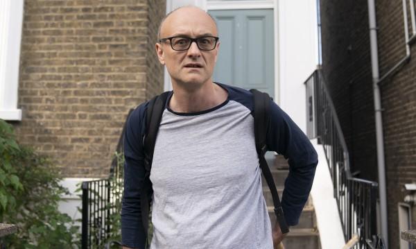 """Британски министър подаде оставка заради случая """"Къмингс"""""""