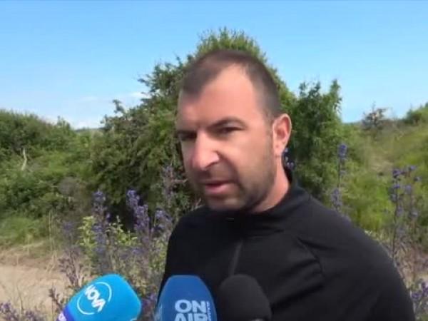 Концесионерът на плажа в Ахтопол е унищожил част от сиви
