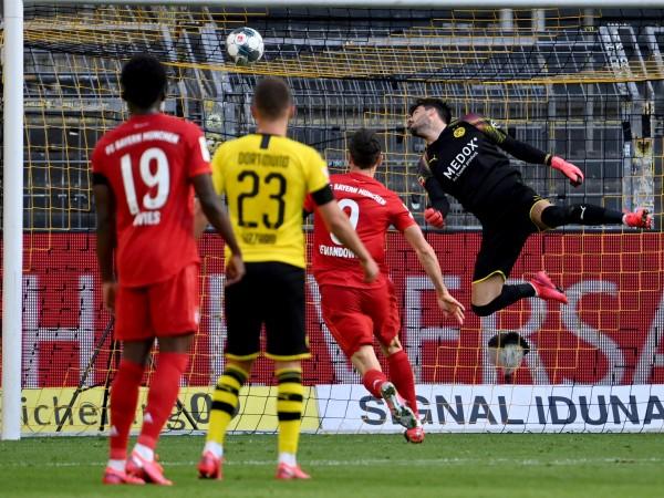 Байерн Мюнхен подчини Борусия Дортмунд с 1:0 като гост в