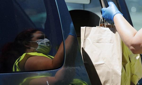 Само в Америка заразените с коронавирус са над 2.4 млн. души