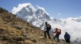 Китайски алпинисти измерват височината на Еверест