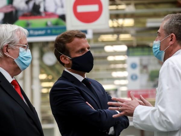 Френският президент Еманюел Макрон обяви спасителен финансов пакет от 8