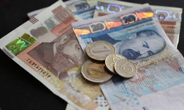 Полицията издирва собственика на пари, намерени в щайги