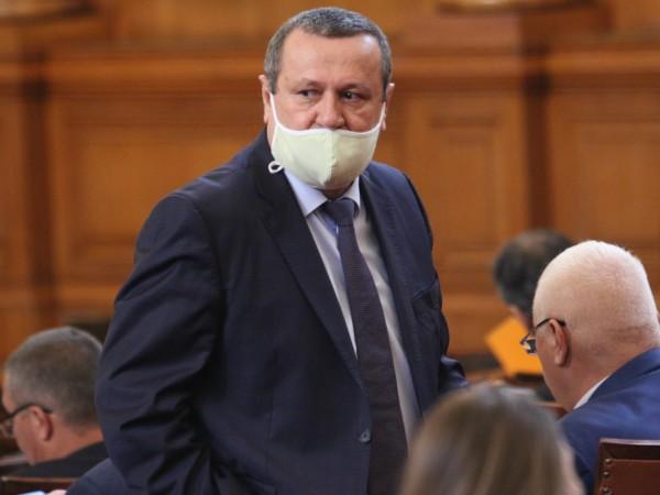 Депутатът от ДПС д-р Хасан Адемов се изправи очи в