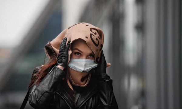 Европа аплодира лекарите си, но защо руснаците са враждебни към тях?