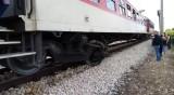 105 човека са пътували в дерайлирал влак, няма пострадали