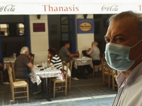 В Гърция намаляват ДДС за кафенета, ресторанти и транспорт от