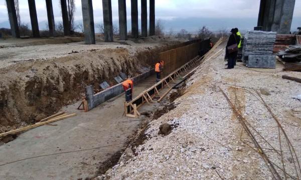 """До края на юни приключва ремонтът на виадуктите на АМ """"Тракия"""""""