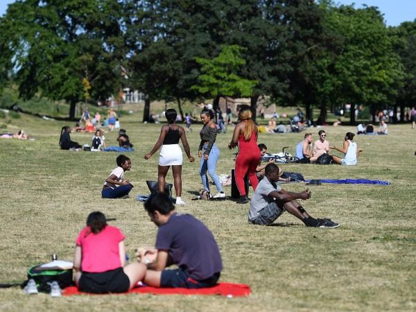 Великобритания предприе по-нататъшни стъпки за разхлабване на рестрикциите, наложени заради