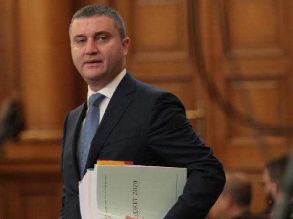 Финансовият министър Владислав Горанов ще участва днес в петъчния парламентарен