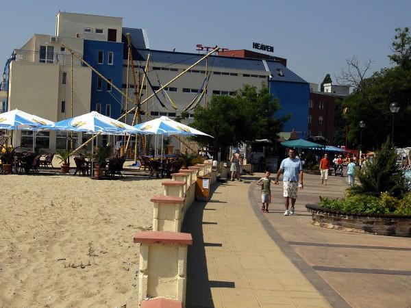 Три хотела в Слънчев бряг вече са отворени и приемат