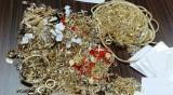 Митничари задържаха златни накити за над 194 000 лв.