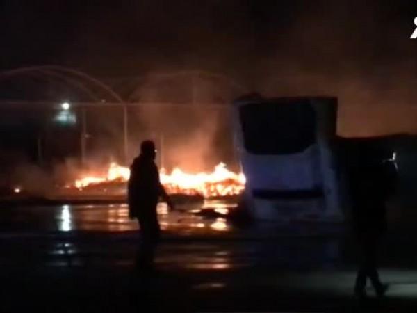 Четирима души са задържани за големия пожар, който унищожи зеленчуковата