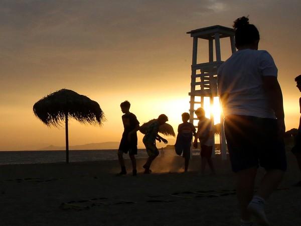 Европейските страни започват да отварят морските си курорти за чуждестранни