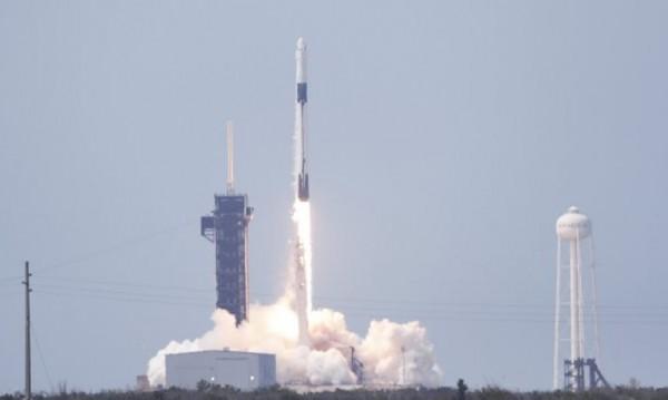 В историята - НАСА и SpaceX пратиха астронавти в Космоса