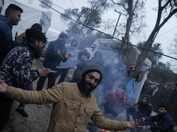 """""""Забравените"""" бежанци в лагера """"Мория"""" на гръцкия остров Лесбос само"""