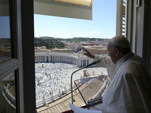 Папа Франциск отслужи литургия по повод Петдесетница в базиликата Свети