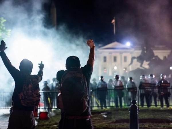 Президентът на САЩ Доналд Тръмп е бил отведен за кратко
