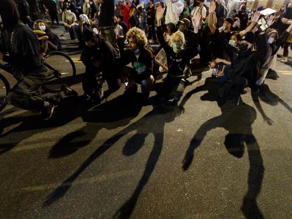 Говорителят на Кремъл Дмитрий Песков заяви в понеделник, че гражданските