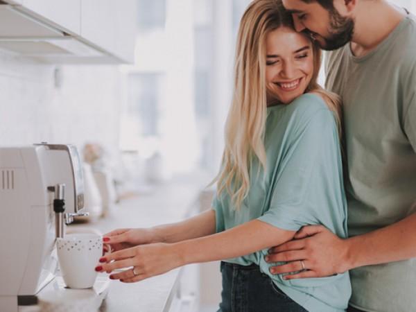 Нуждата от интимност преминава задължително през гушкането. Мъжете и жените