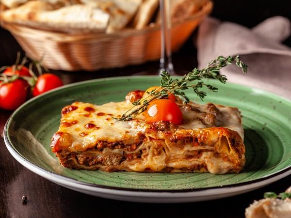 Лазанята е ястие, което традиционно сервират в Италия. Любителите на