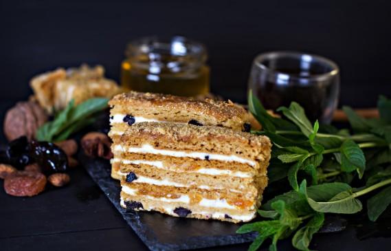 Рецептата Dnes: Торта с медени блатове