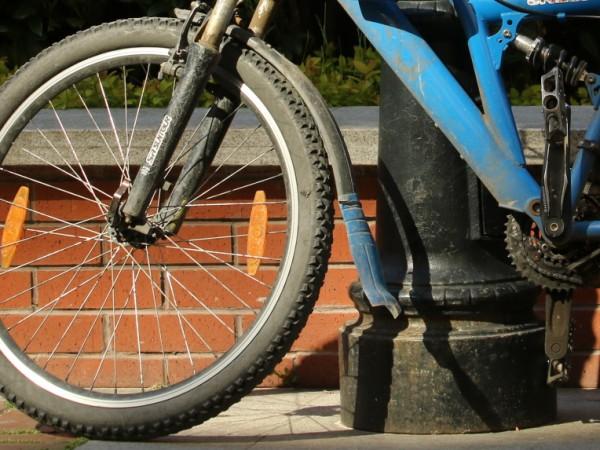 Неизвестни откраднаха 5 велосипеда от няколко гаража в Добрич, съобщават