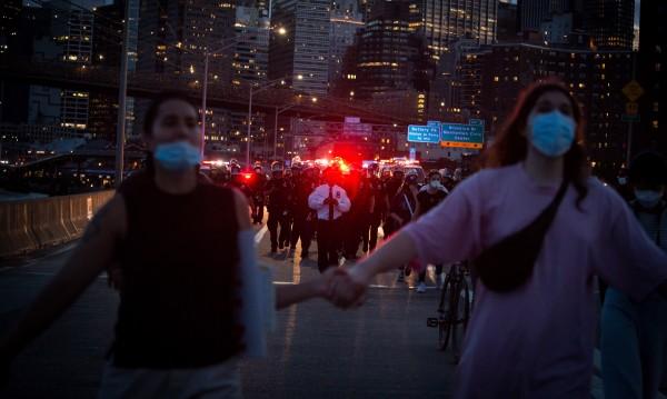 Америка протестира: Над 1000 са жертвите на полицаи в САЩ всяка година