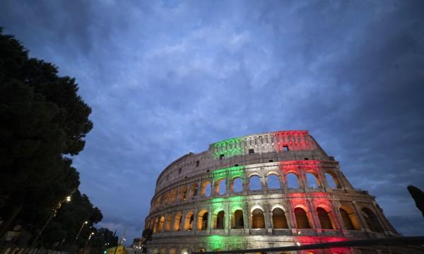 Колизеумът в Рим отвори, но му се наслаждават само римляните