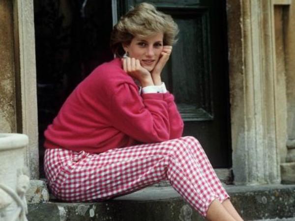 Принцеса Даяна очевидно беше обичана от целия свят. Тя бързо