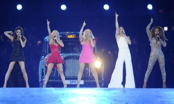 Виктория Бекъм спечели милион паунда при събирането на Spice Girls