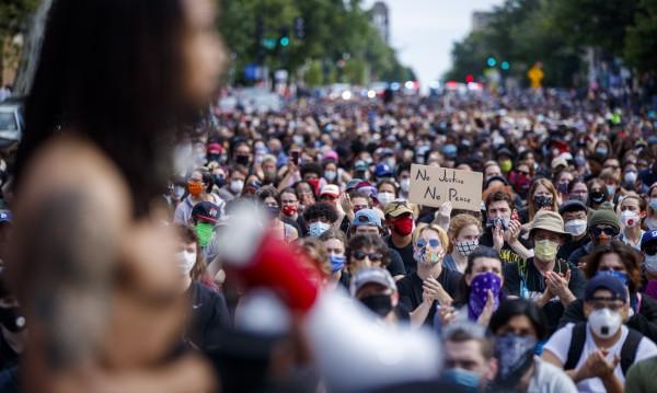 BG полицайката Петя за протестите, марш в памет на Джордж Флойд