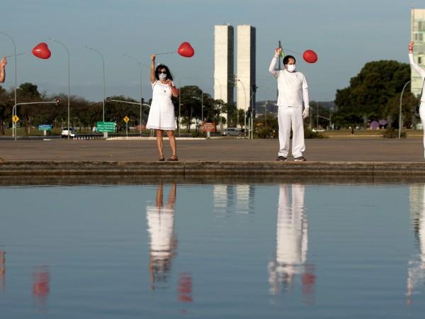 През последните 24 часа в Бразилия са починали 1262-ма души