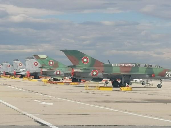 Кризата с коронавируса ще забави ремонтите на самолети от бойната