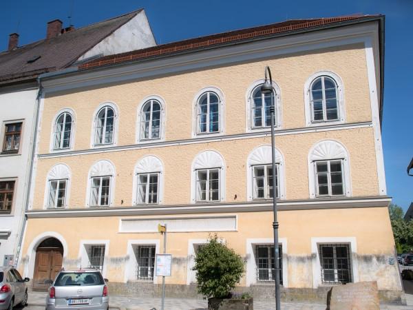 """Австрия планира да """"неутрализира"""" сградата, в която роден нацисткият диктатор"""