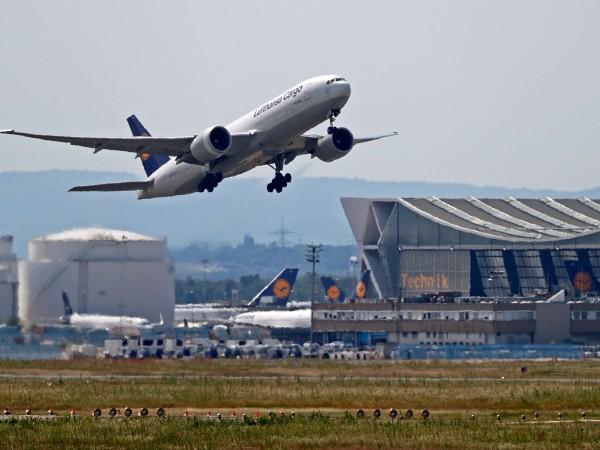 """""""Луфтханза"""" (Deutsche Lufthansa) обяви рязко нарастване на нетната загуба до"""