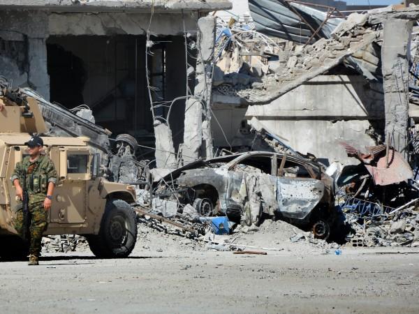 Експертите предупреждават, че Илсямска държава се прегрупира и се опитва