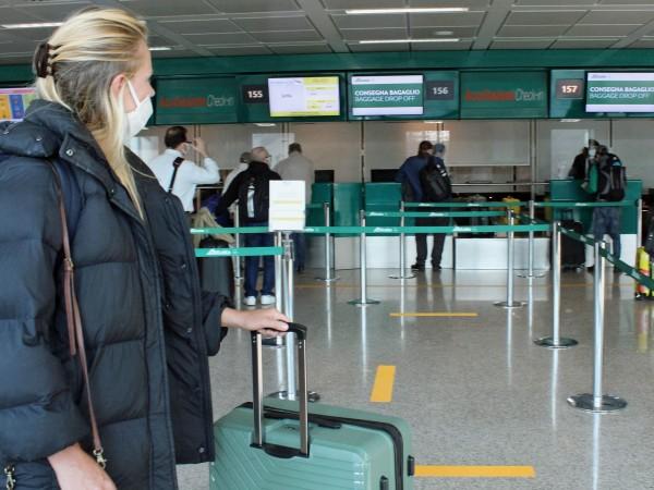 След тримесечна карантина от днес италианците може да пътуват свободно