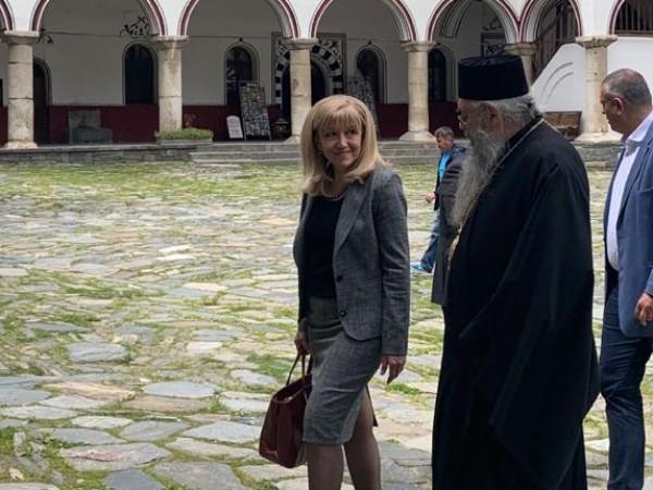 Министърът на регионалното развитие и благоустройството Петя Аврамова и председателят