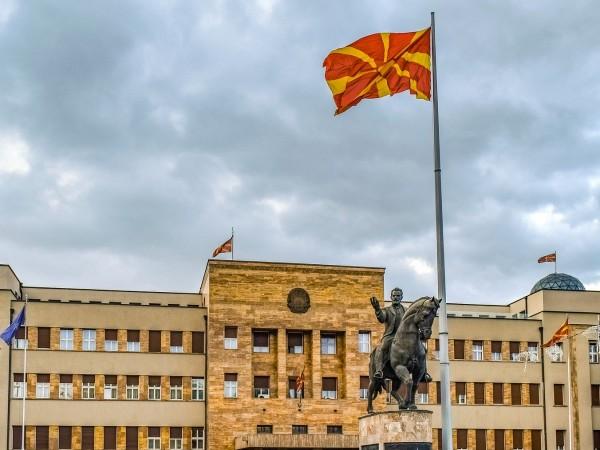 Във връзка борбата с коронавируса Република Северна Македония въведе ограничителни