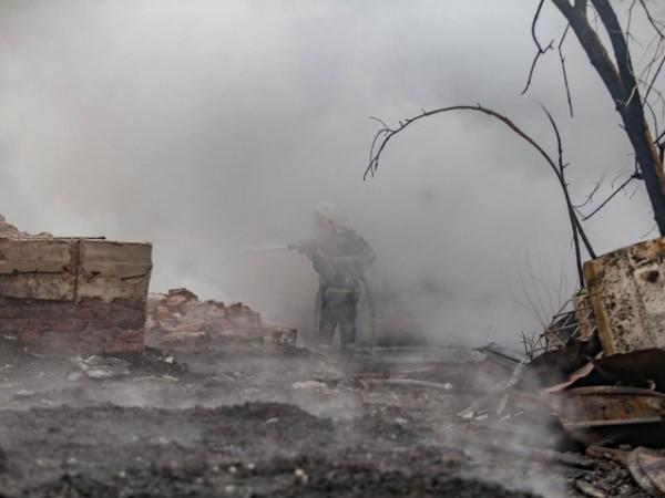 Взрив в завод край Пазарджик, има ранени. Пожарът е в