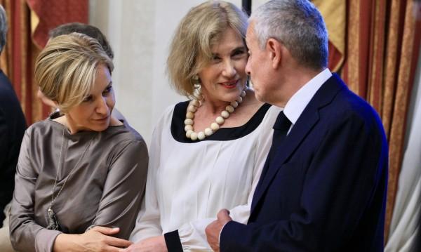 Елена Поптодорова: Няма да има гражданска война в САЩ